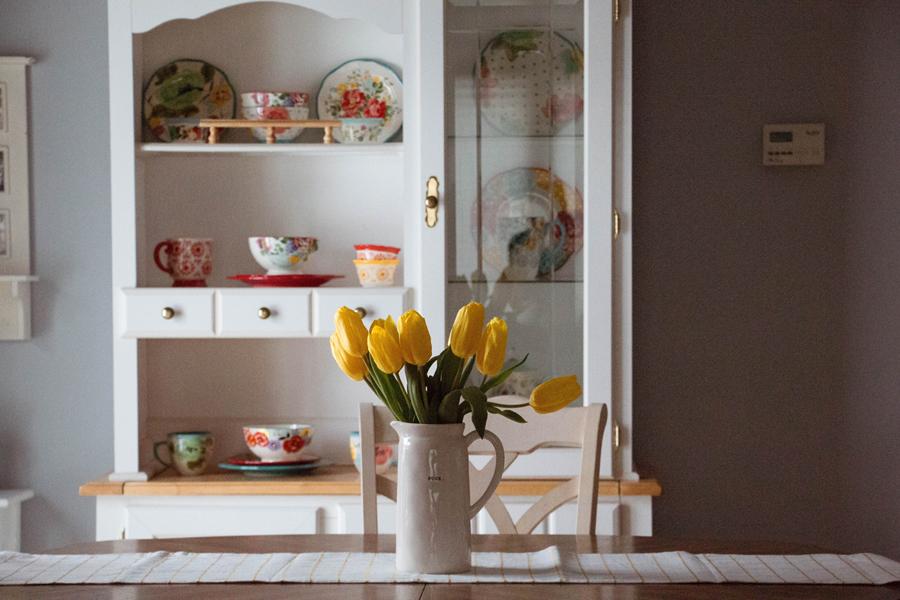 Буфет: история и новое рождение в интерьере кухни